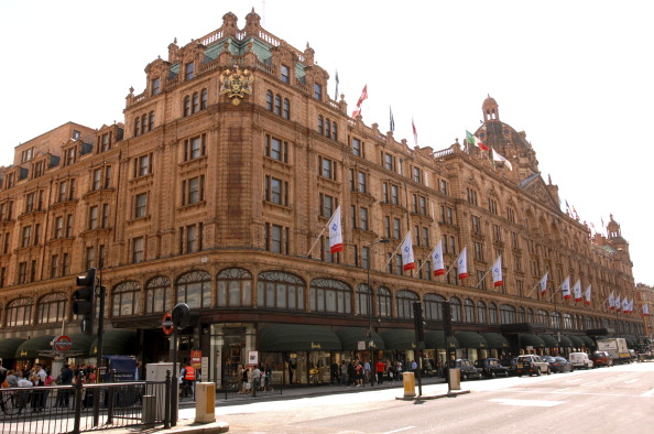 Harrords Department Store, Brompton Road, Knightsbridge. (Photo by: Newscast/UIG via Getty Images)